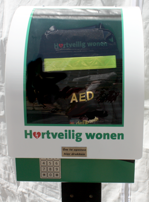 AED in kast
